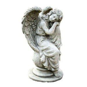 Zahradní betonová dekorace sedící anděl na kouli - 19*17*36cm