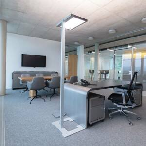 Luctra Luctra Vitawork LED stojací lampa 17000lm