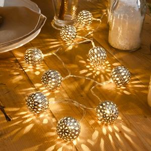Konstmide CHRISTMAS LED světelný řetěz kovové koule stříbrné 10 zdrojů