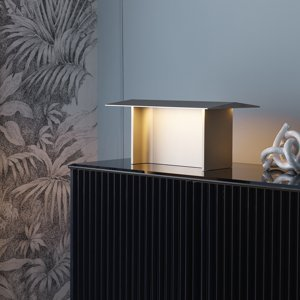 Luceplan Luceplan Fienile LED stolní lampa, prosecco