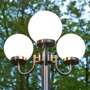 Lindby Pouliční svítilna Samuel s 3 skleněnými koulemi