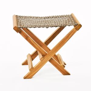 Sada 2 béžových skládacích stoliček z teakového dřeva a výpletem z provazu Simla Lay