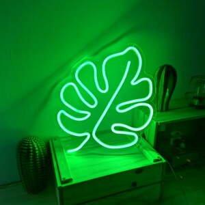 Zelená nástěnná svíticí dekorace Candy Shock Leaf